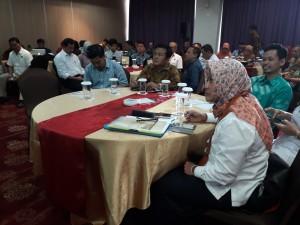 Para peserta pertemuan Bakohumas Tematik yang digelar Kementerian ESDM, di Hotel 101, Bogor, Jabar, Kamis (5/7) pagi. (Foto: Edi N./Humas)