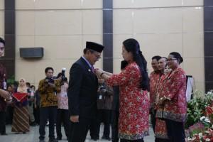 Menko PMK dalam Rangka Hari Keluarga Nasional XXV di Komplek Bumi Beringin, Kota Manado, Sulut, Jumat (6/7). (Foto: Kemenko PMK).