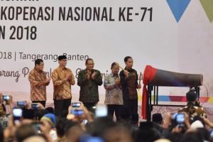 Presiden saat membuka acara Hari Koperasi di Ice Convention Exhibition (ICE) BSD, Tangerang, Banten, Kamis, (12/7). (Foto: Humas/Oji)