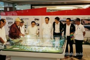 Presiden meninjau venue di Jakabaring Sport City, Palembang, Sumsel, Sabtu (14/7). (Foto: Humas/Dindha Moerti)