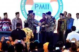 Presiden Jokowi saat membuka Munas VI tahun 2018 IKA PMII, di Grand Ballroom Hotel JS Luwansa, Jakarta, Jumat (20/7). (Foto: Humas/Rahmat)