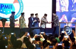 Presiden Jokowi saat menghadiri Munas VI Tahun 2018 IKA PMII, di Grand Ballroom Hotel JS Luwansa, Jakarta, Jumat (20/7). (Foto: Humas/Rahmat).