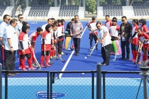 Vice President inspects the hockey venue at Gelora Bung Karno Sports Complex, Jakarta, Friday (29/6). (Photo by: Ministry of PUPR)