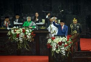 Presiden saat menyampaikan pidato di Gedung Nusantara, Jakarta, Kamis (16/8). (Foto: Humas/Agung)