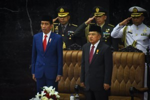 President Jokowi and Vice President Jusuf Kalla attend the Plenary Session of the House of Representatives of the Republic of Indonesia, at Nusantara Building, Jakarta, Thursday (16/8). Photo by: PR Division/Agung)
