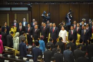 Para menteri Kabinet Kerja Rapat Paripurna DPR-RI, di Gedung Nusantara, Jakarta, Kamis (16/8). (Foto: Humas/Oji)