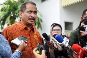 Menpar Arief Yahya menjawab pertanyaan wartawan usai Sidang Kabinet Paripurna, di Istana Negara, Jakarta, Selasa (7/8). (Foto: Humas/Agung)
