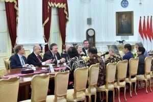 Presiden Jokowi menerima Menlu Amerika Serikat (AS) Mike Pompeo, di Istana Merdeka, Jakarta, Minggu (5/8). (Foto: Humas/Agung)