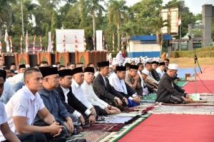 President Jokowi performs Idul Adha prayer at Tegar Beriman Square, Bogor, Wednesday (22/8).