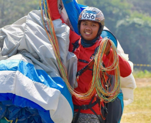 Jafro Megawanto, a paragliding athlete who wins gold medal for Indonesia in 2018 Asian Games. Photo by: twitter @jokowi
