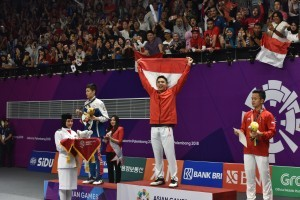 Jonatan Christie won gold medal on men's single badminton after defeating Chou Tien Chen from Taipei, at Istora GBK Stadium, Jakarta, Tuesday (28/8). (Photo: ANGGUN/PR)