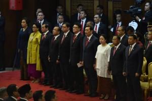 Para menteri anggota Kabinet Kerja mengikuti Pidato Kenegaraan dalam rangka Hari Ulang Tahun ke-73 Proklamasi Kemerdekaan RI Tahun 2018, pada Sidang Bersama DPR-RI dan DPD-RI, di Gedung Nusantara, Jakarta, Kamis (16/8) siang. (Foto: OJI/Humas)