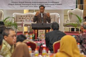 Deputi Bidang DKK, Yuli Harsono, saat membuka Rakor dalam rangka Pemantapan Pelayanan Persidangan Kabinet di Hotel Grand Savero, Bogor, Jawa Barat, Sabtu (4/8). (Foto: Humas/Jay).