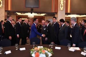 Presiden Jokowi dalam acara Forum bisnis Indonesia-Korea, di Seoul, Korsel, Senin (10/9). (foto: BPMI)