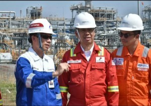 Deputy Minister of Energy and Mineral Resourcesinspects oil refinery facilities in Gresik, East Java Province, Saturday (8/9) (Photo: Ministry of ESDM)