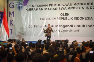 Presiden Jokowi memberikan sambutan pada pembukaan Kongres XXXVI Kongres GMKI, di Bogor, Jabar, Jumat (14/9) pagi. (Foto: Agung/Humas)