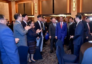 President Jokowi attends Indoneisa-South Korea Business and Investment Forum, at Lotte Hotel, Seoul, on Monday (10/9). (Photo by: BPMI)