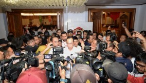 Minister of Transportation answers reporters' questions in Jakarta, Saturday (15/9). (Photo: Ministry of Transportation).