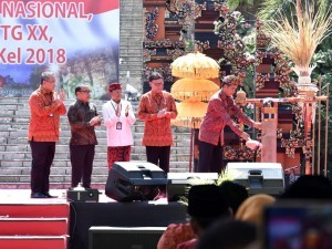 President Jokowi opens the 20th National Work Meeting on Appropriate Technology (TTG) and the 2018 Innovation Week of Village and Sub-District Development (PINDesKel), Friday (19/10). (Photo by: BPMI).
