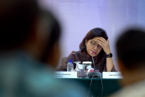 Minister of Finance Sri Mulyani Indrawati attends press conference on 4-year Report of Joko Widodo-Jusuf Kalla Government, at Auditorium of Building III, Ministry of State Secretariat, Jakarta, Tuesday (23/10) (Photo: AGUNG/PR)
