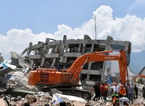 Peninjauan penanganan bencana di Sulteng oleh Presiden. (Foto: BPMI)