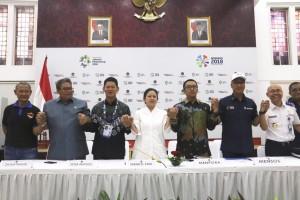 Menko PMK dan Menteri terkait lainnya serta Ketua INAPGOC dalam acara Media Briefing Asian Para Games 2018 di Ruang Heritage, Kemenko PMK, Jakarta, Kamis (4/10). (Foto: Kemenko PMK)