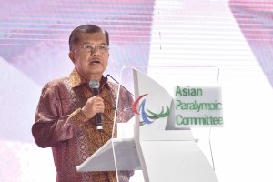 Vice President of Republic of Indonesia giving his keynote speech at the 2018 Asian Para Games closing ceremony, at Gelora Bung Karno, Saturday (13/10). (Photo: Public Relations/Oji)