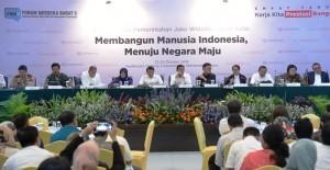 Ministers attend 4-Years Report of Joko Widodo-Jusuf Kalla Administration in Jakarta, Thursday (25/10). (Photo: Deny/PR)