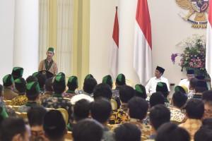Presiden Jokowi menghadiri pembukaan Sepim HMI, di Istana Kepresidenan Bogor, Jabar, Jumat (5/10) sore. (Foto: JAY/Humas)