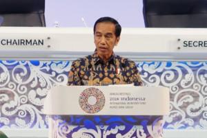 Presiden Jokowi menyampaikan sambutan pada pembukaan Annual Meetings IMF-World Bank Group, di BNDCC, Nusa Dua, Bali, Jumat (12/10) pagi. (Foto: Anggun/Humas)
