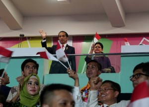 President Jokowi, and First Lady Iriana giving supports to disabled Indonesian athletes participanting at the opening of the 2018 Asian Para Games, at GBK main stadium, Jakarta, Saturday (10/6). (Photo: Agung/Public Relations)