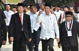 President Jokowi attending the LDII national works meeting, at Minhajurrosyidin Islamic Boarding School, Pondok Gede, East Jakarta, Wednesday (10/10). (Photo: Rahmat/Public Relations)