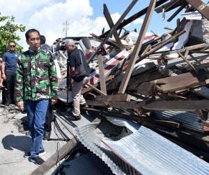 President Jokowi visited quake-hit Palu, Central Sulawesi, Sunday (30/9). Photo by: BPMI Setpres