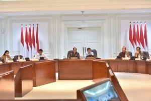 President Jokowi leads Limited Cabinet Meeting on Palu and Donggala Post-Quake Mitigation Measures at the Office of the President, Jakarta, Tuesday (2/10). Photo by: Jay/Public Relations Division of Cabinet Secretariat