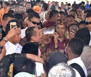 President Jokowi attends the 20th National Workshop on Appropriate Technology (TTG) and Innovation Week of Village and Sub-District Development (PINDesKel), Friday (19/10). Photo by: BPMI.