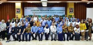 Peserta Forum Tematik Bakohumas Kementerian LHK berfoto bersama, di Gedung Manggala Wanabakti, Jakarta, Senin (12/11) pagi. (Foto: Bakohumas)