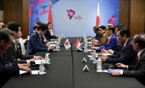 Presiden Jokowi saat pertemuan dengam Shinza, pada Kamis (15/11) sore.