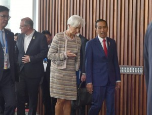President Jokowi in a series of APEC meetings in Papua New Guinea, Saturday (17/11) (Photo by: BPMI)