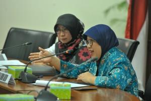 Karo AKRB Setkab Diah Pancaningrum membuka Coaching Clinic Penyempurnaan Penyusunan Peta Risk Register dan Rencana Penanganan Risiko, di ruang rapat lantai 4 Gedung 3 Kemensetneg, Jakarta, Senin (5/11) pagi. (Foto: JAY/Humas)