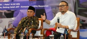 "Minister of Manpower Hanif Dhakiri and Minister of Education and Culture Muhadjir Effendy at the Merdeka Barat 9 Forum (FMB9) press conference adopting a theme ""Unemployment Reduction"" in Jakarta, Thursday (8/11). (Photo by: Ministry of Manpower's Public Relations)"