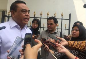 Menteri PANRB Syafruddin menjawab wartawan usai rapat terbatas, di Istana Kepresidenan Bogor, Jabar, Rabu (21/11) siang. (Foto: Rahmat/Humas)