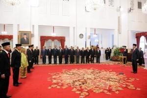 President Jokowi leads the National Hero Title awarding ceremony at the State Palace, Jakarta, Thursday (8/11). Photo by: Jay/PR.