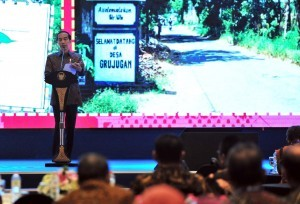 President Jokowi delivers his remarks at the lauching of One Map Policy Geoportal and the 2018 National Infrastructure Progress Book, at Bidakara Hotel, Jakarta, Tuesday (11/12). (Photo by: Jay/PR Division)