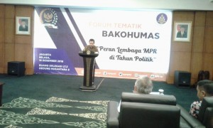 Secretary General of the People's Consultative Assembly (MPR) Ma'ruf Cahyono delivers his remarks at a Thematic Forum of the Governmental Public Relations Coordination Board (Bakohumas), at the MPR Building, Jakarta, Tuesday (18/12). (Photo by: Heni/ PR Division)