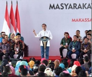 President Jokowi attends Evaluation of Development Policy and Empowerment of Village Community, in Makassar, Saturday (22/12). (Photo by: Presidential Secretariat)