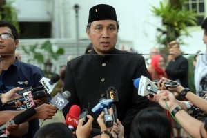 Director General of Culture of Ministry of Education and Culture Hilmar Farid answers reporters'questions after meeting with President Jokowi, at the Merdeka Palace, Jakarta, Tuesday (11/12). (Photo by: Rahmat/Public Relations Division)