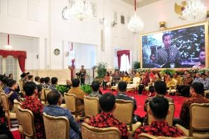 Presiden Jokowi memberikan sambutan pada pembukaan Jambore Sumber Daya PKH, di Istana Negara, Jakarta, Kamis (13/12) pagi. (Foto: JAY/Humas)