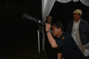 Energy and Mineral Resources Minister Ignasius Jonan visits Mount Merapi Monitoring Post, in Sleman, Yogyakarta, Friday (18/1). (Photo by: Energy and Mineral Resources Ministry PR Division)