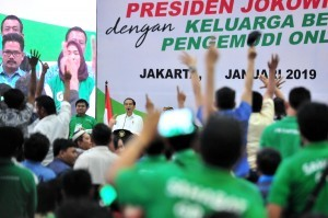 President Jokowi on a Gathering with Online Drivers at JI Expo, Kemayoran, Jakarta, Saturday (12/1). (Photo: Jay/Public Relations).