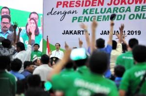 Presiden saat menghadiri Silaturahmi dengan Pengemudi Online di JI Expo, Kemayoran, Jakarta, Sabtu (12/1). (Foto: Humas/Jay)